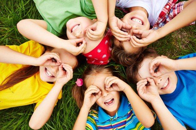 تعليم الطفل المهارات الاجتماعيةمن عمر شهر حتى 10 سنوات